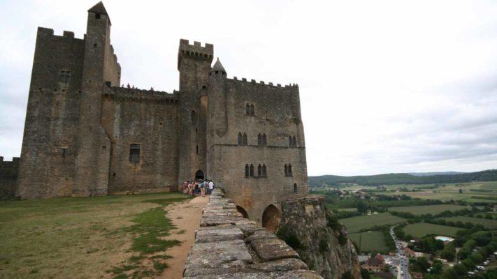 château de beynac vacances aquitaine