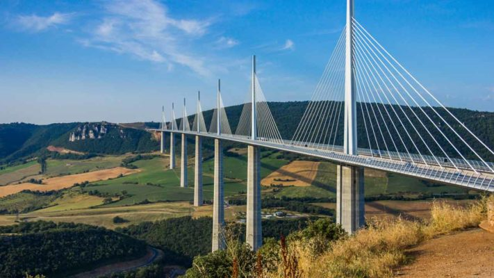 viaduc de milliau en occitanie