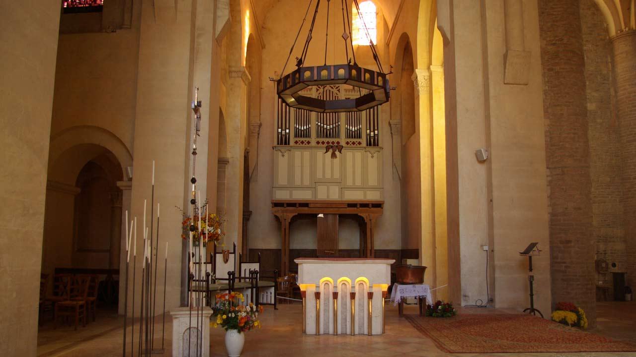 abbaye saint pihibert de tournus vacances en France