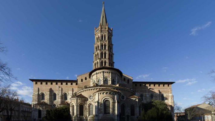 la basilique saint sernin en occitanie