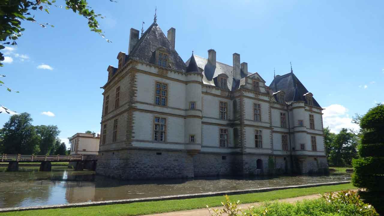 chateau de cormatin vacances en France