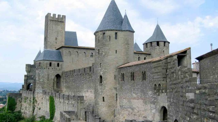 château rempart Carcassonne vacances Occitanie