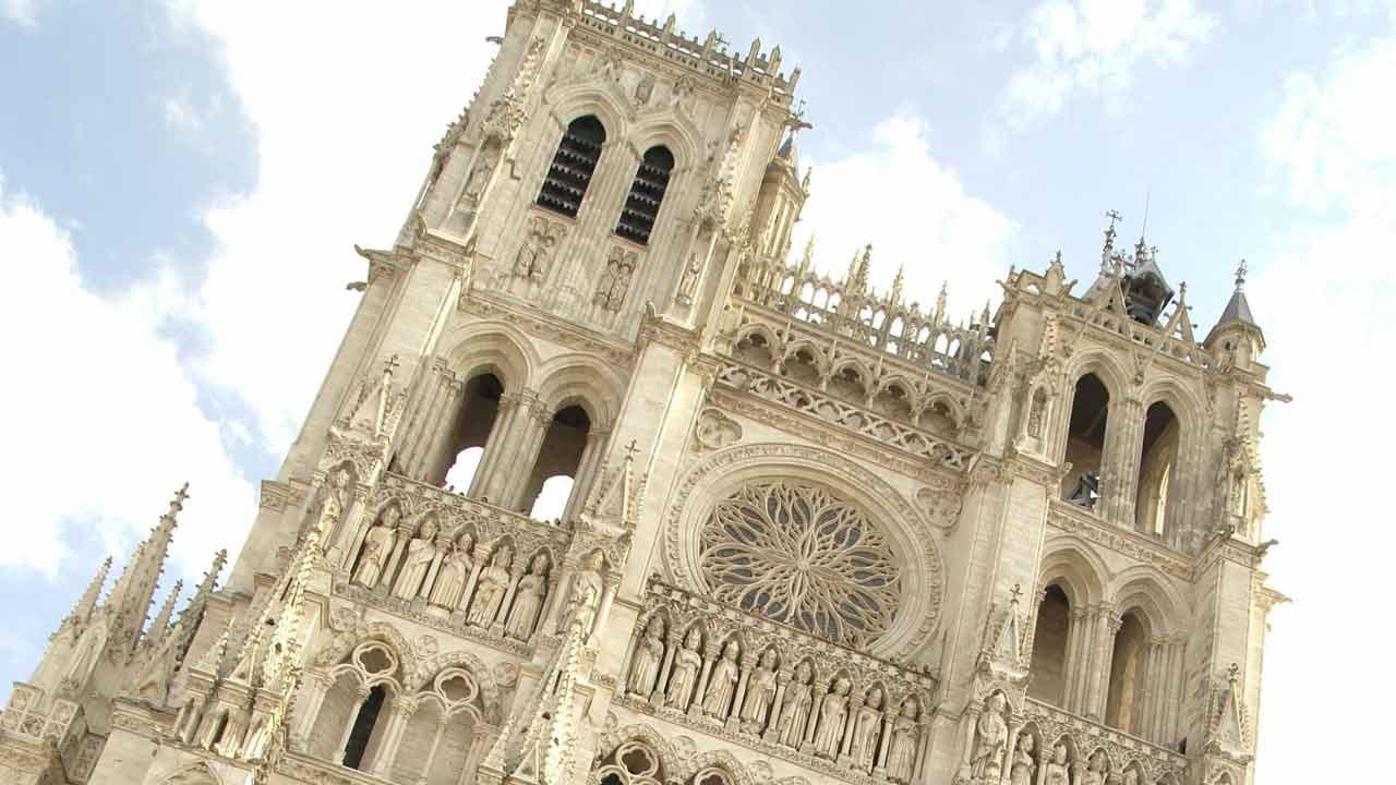 visite notre dame d'amiens vacances en France