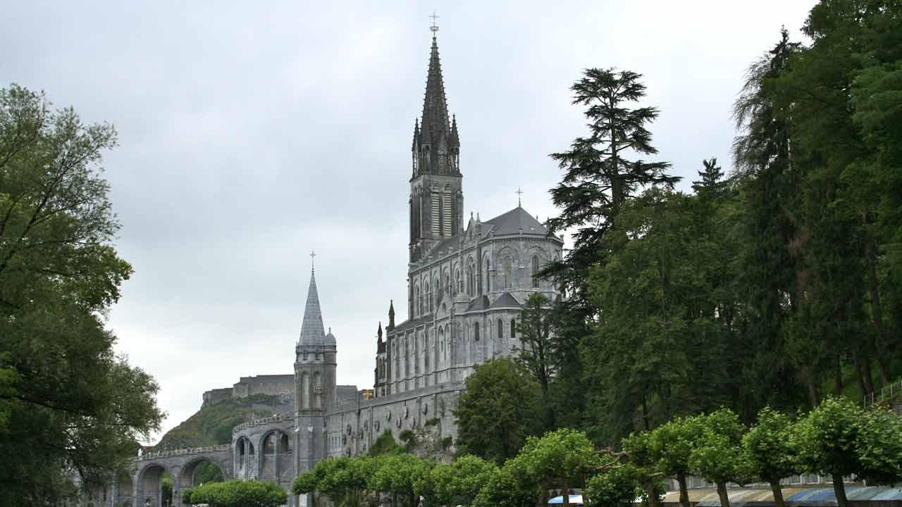 Le sanctuaire notre dame de lourdes occitanie